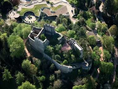 Burg Badenweiler von oben