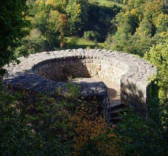 Treppenturm an der Wehrmauer von 1861; Foto: Badenweiler Thermen und Touristik GmbH, Karin Schmeißer