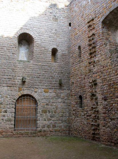 Teilansicht der Burg Badenweiler
